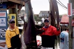 blue-devil-team-catching-thrasher-shark-oceancity-maryland